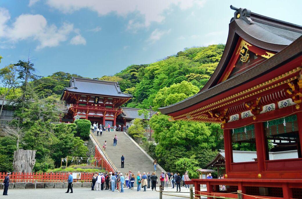 鎌倉観光にはずせない、源頼朝ゆかりの神社・鶴岡八幡宮の巡り方