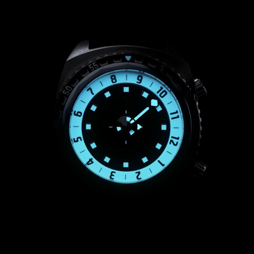 注目したい!レトロフューチャーな実用腕時計
