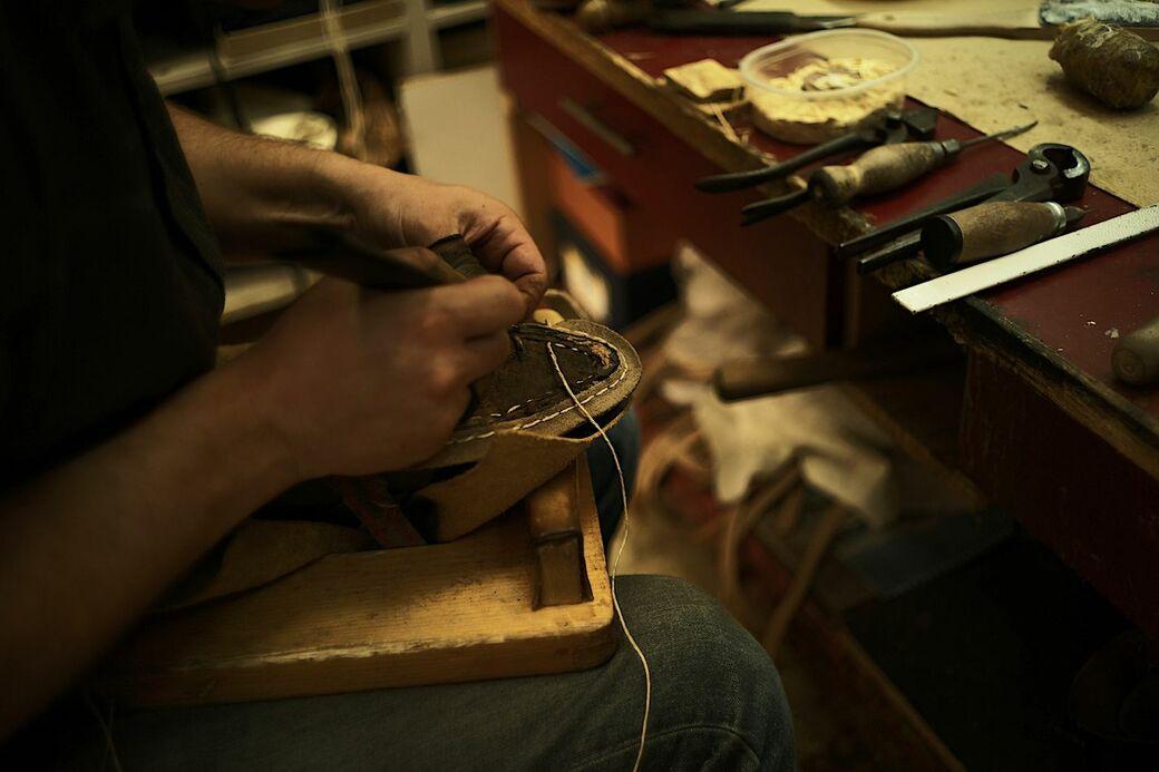 ブダペストの靴工房〝VASS〟で知る、温もりのラスト